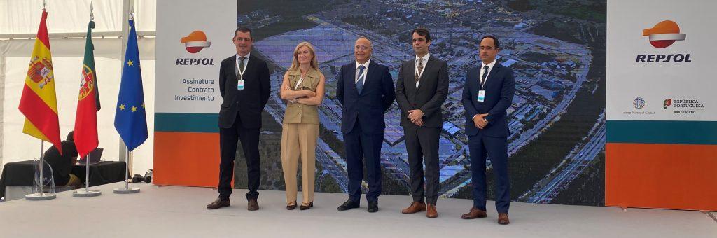 Assinatura contrato Repsol com a aicep na ZILS